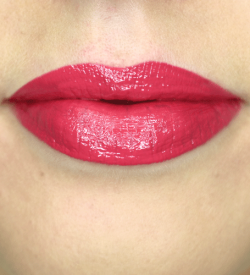 Coral-Pink-Lipstick