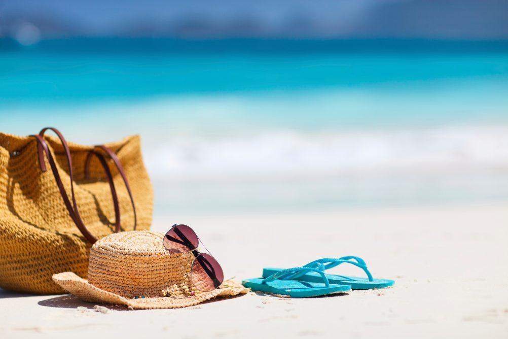MY BEACH BAG ESSENTIALS - Kismet Cosmetics