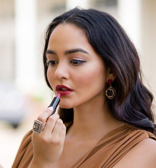Mauve-Lipstick